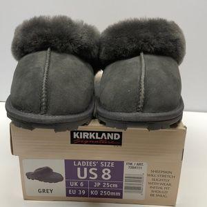 New Women's  Kirkland Shearling Slippers Gray